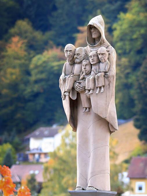 Offizielle Homepage des Bildhauers Peter Lenk : Calw/Hirsau